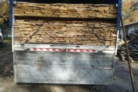 Material lemnos transportat ilegal confiscat si o autoutilitara indisponibilizata de politisti