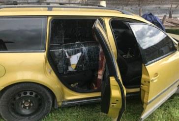 Autoturism indisponibilizat si 8000 pachete cu tigari de contrabanda confiscate de politisti