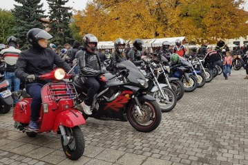 """VIDEO/FOTO: Parada moto, in Baia Mare. Final de sezon pentru iubitorii de """"motoare"""""""