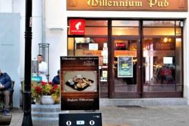 Statii de incarcare a telefoanelor, la Complex Millennium. Gratuit, evident (FOTO)