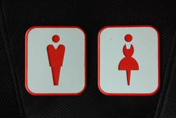 Tot mai multi elevi din Franta renunta la folosirea toaletelor
