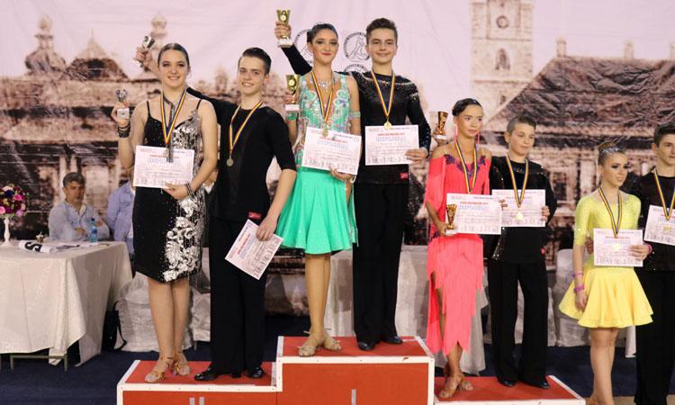 """13 medalii pentru sportivii de la Prodance 2000 la Concursul """"Cupa Castanelor"""""""