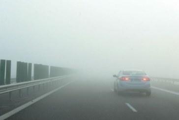 INFO TRAFIC: Vizibilitate redusa de ceata pe majoritatea sectoarelor de drumuri nationale