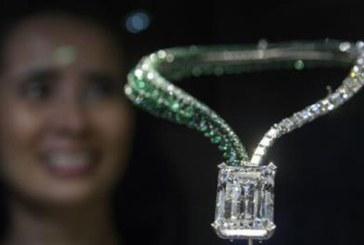 Cel mai mare diamant prezentat vreodata la o licitatie, vandut cu aproape 34 de milioane de dolari