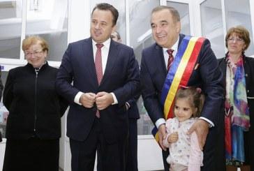 Ministrul Liviu Pop, prezent la inaugurarea Gradinitei din Farcasa (FOTO)