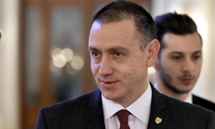 Ministrul Apararii, Mihai Fifor, demisioneaza. Firea a demisionat de la conducerea PSD Bucuresti