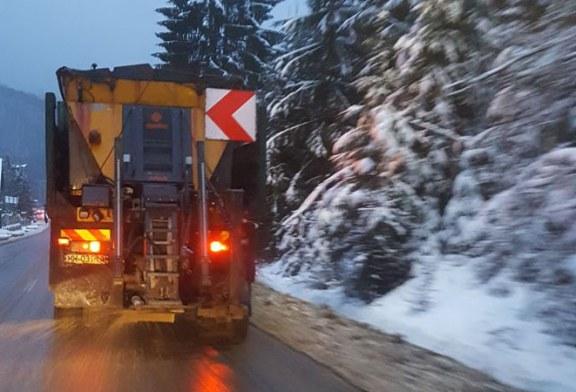 Meteo: -8 grade Celsius la Petrova, Targu Lapus si Borsa. Drumarii au intervenit cu 13 utilaje pe mai multe sosele din Maramures