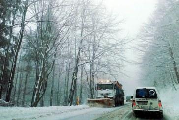 Maramures: 17 utilaje intervin pe sectoarele de drumuri nationale