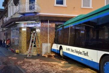 Germania: Cel putin 20 de raniti dupa ce un autobuz scolar s-a izbit de zidul unei case