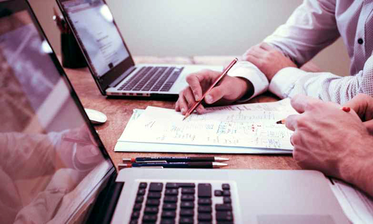 Angajatorii care nu respecta prevederile legale privind munca suplimentara vor plati amenzi mai mari