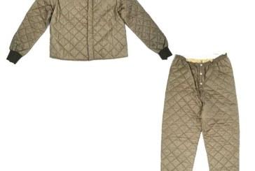 Costumul de vanatoare al lui Ceausescu, adjudecat la 700 de euro