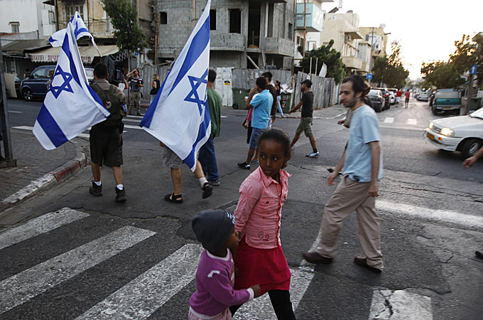 Autoritatile israeliene au inceput sa trimita notificari de expulzare solicitantilor de azil africani
