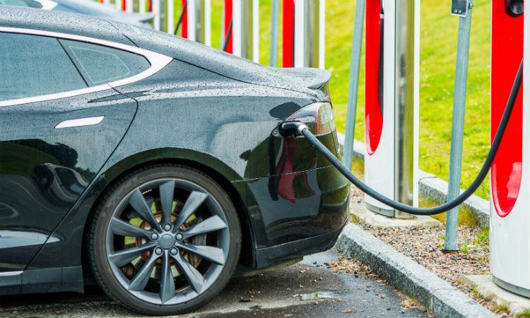 Vanzarile de automobile electrice au scazut in iulie pentru prima data, dupa ce China a redus subventiile