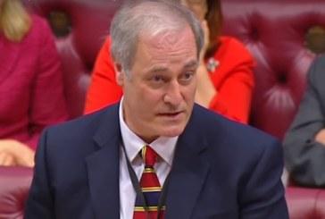 Un ministru britanic si-a dat demisia dupa ce a intarziat un minut la serviciu