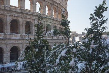 La Roma a nins pentru prima data din 2012; scolile si Colosseum-ul, inchise