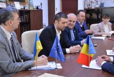 Proiectele transfrontaliere comune au fost discutate la Consiliul Judetean cu o delegatie din Ivano Frankinvsk