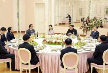 Liderii celor doua Corei au avut prima intalnire in cadrul noului summit intercoreean