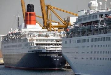 Vasul de croaziera Queen Elizabeth 2, transformat in hotel plutitor, inaugurat la Dubai