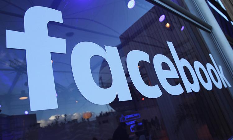 SUA: Sute de milioane de numere de telefon asociate conturilor Facebook ar fi fost expuse online