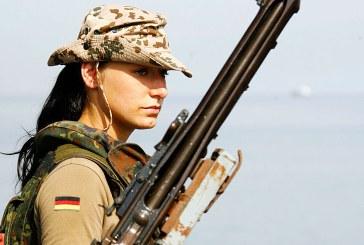 Armata germana va introduce uniforme mai largi pentru femeile militar insarcinate