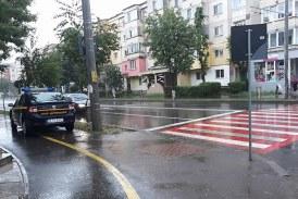 TUPEU: ANAF Maramures, cu masina pe pista de biciclete. Erau amendate firmele ce incalca legea