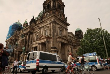 Germania: Un politist a deschis focul asupra unui barbat in Catedrala din Berlin
