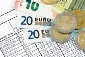 Usoara scadere a euro