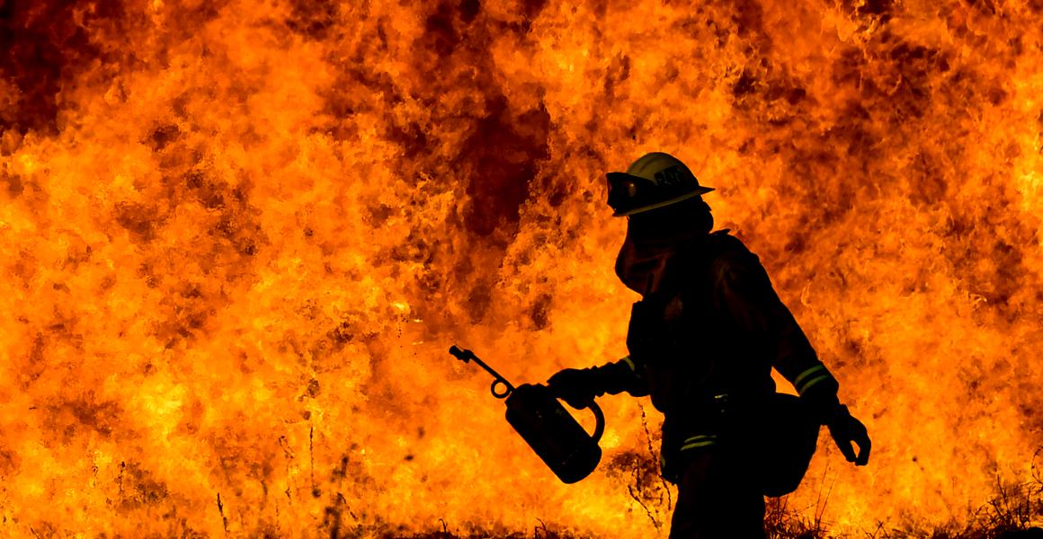 Umbla vorba... Experiment soc. Pompierii voluntari din Lapus au salvat de la incendiu piscina unui localnic