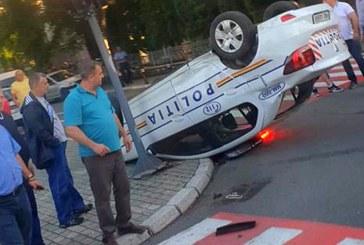 INCREDIBIL: O masina a Politiei s-a rasturnat chiar langa sediul institutiei din Baia Mare (FOTO)