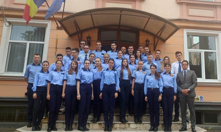 Viitori politisti: Studentii Academiei de Politie au inceput practica la unitatile teritoriale