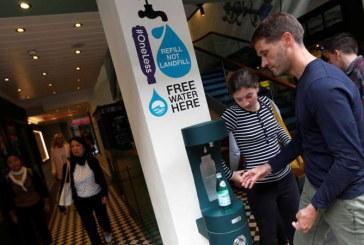 Londonezii sunt incantati de reintroducerea cismelelor cu apa potabila
