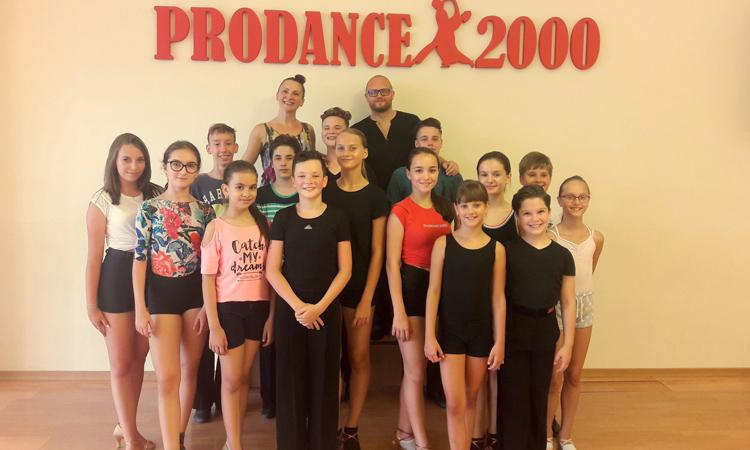 Sportivii de la Prodance 2000 vor participa la un seminar de pregatire cu fosti  campioni nationali la dans sportiv