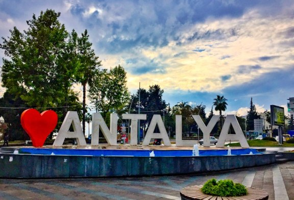 PREMIERA! Antalya 2019 cu AVIONUL direct din BAIA MARE!