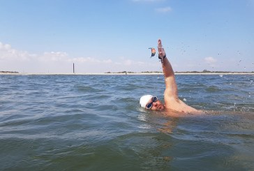 Bibliotecarul Avram Iancu continua cursa inot spre Istanbul, prin Marea Neagra
