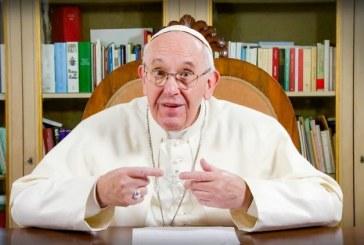 Papa Francisc a cerut gigantilor internetului mai multa responsabilitate fata de protejarea minorilor