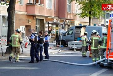 Berlin: Un barbat a intrat cu masina intr-o cafenea din Charlottenburg