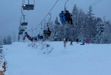 Peste 50.000 de turisti vor ajunge la Cavnic in aceasta iarna. Vezi cu ce preturi s-a mers de sarbatori