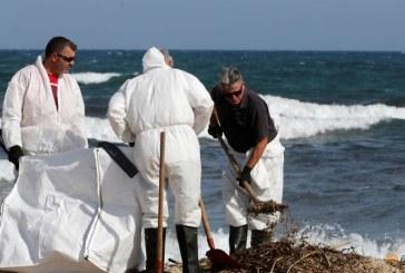 Pata de petrol pe Riviera Franceza-Autoritatile au demarat o campanie de curatare a plajelor