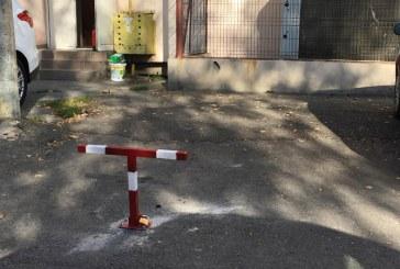 Vocea baimareanului: Tupeu! Si-a facut parcare privata pe domeniul public