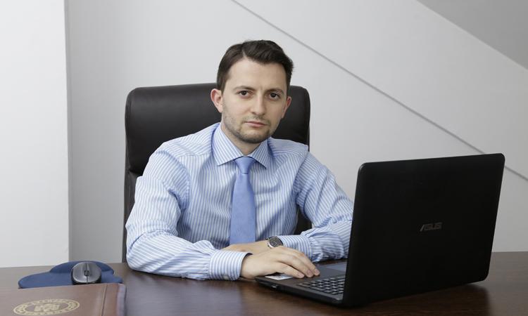 Deputatul Durus (USR) ataca politica statului in dosarul FNI. PSD-ALDE il transforma in victima pe Popa, in timp ce pagubitii mor cu dreptatea in mana
