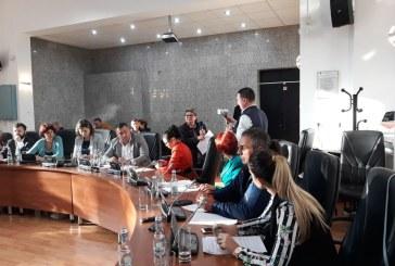 """""""Targul de Craciun 2018"""": Amendamentele lui Florin Cret contestate de Cristian Niculescu Tagarlas. Preturile pentru comercianti au ramas pe loc"""