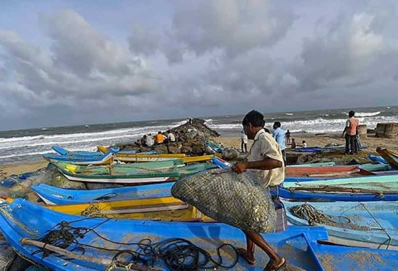 Intemperii in India: Pagube materiale si zeci de mii de persoane evacuate in urma impactului ciclonului Gaja