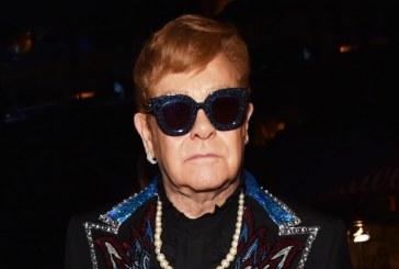 """Un manuscris cu versurile piesei """"Your Song"""" a lui Elton John va fi scos la licitatie la New York"""
