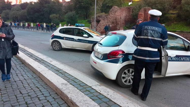 Din ianuarie 2019: Restrictii la Roma pentru masinile poluante