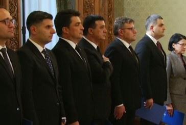 Noii ministri au depus juramantul de investitura in functii
