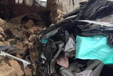TRAGIC: Un tanar a murit la Seini dupa ce a intrat cu masina intr-un imobil