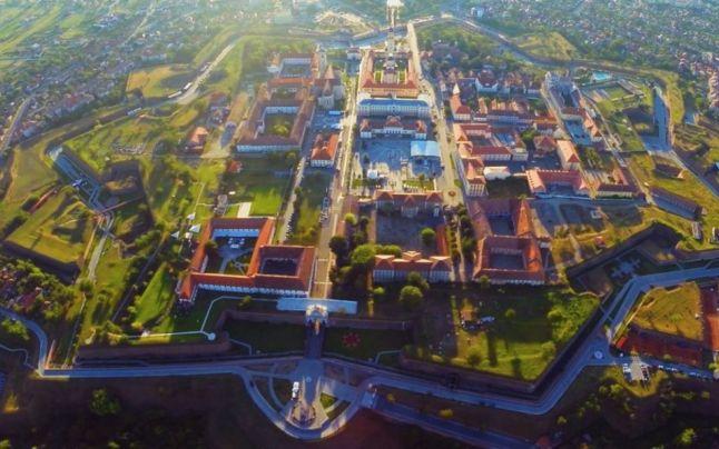 Iohannis a promulgat legea pentru declararea Iasiului - ''Capitala istorica'' si a municipiului Alba Iulia - ''Capitala a Marii Uniri''