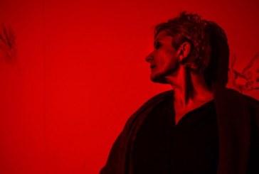 ALBASTRU. GALBEN. ROSU se joaca, duminica, la Teatrul Municipal Baia Mare. Cea mai buna piesa romanesca de teatru a anului 1997