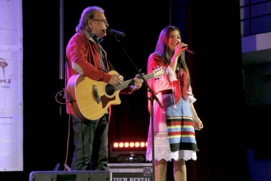 Concert de Colinde sustinut de Paula Seling si Ducu Bertzi, in Orasul Seini (FOTO)