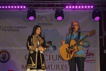 (VIDEO&FOTO) Craciun in Maramures: Ducu Bertzi si Paula Seling au cantat colinde in Baia Mare, Targu Lapus si Somcuta Mare